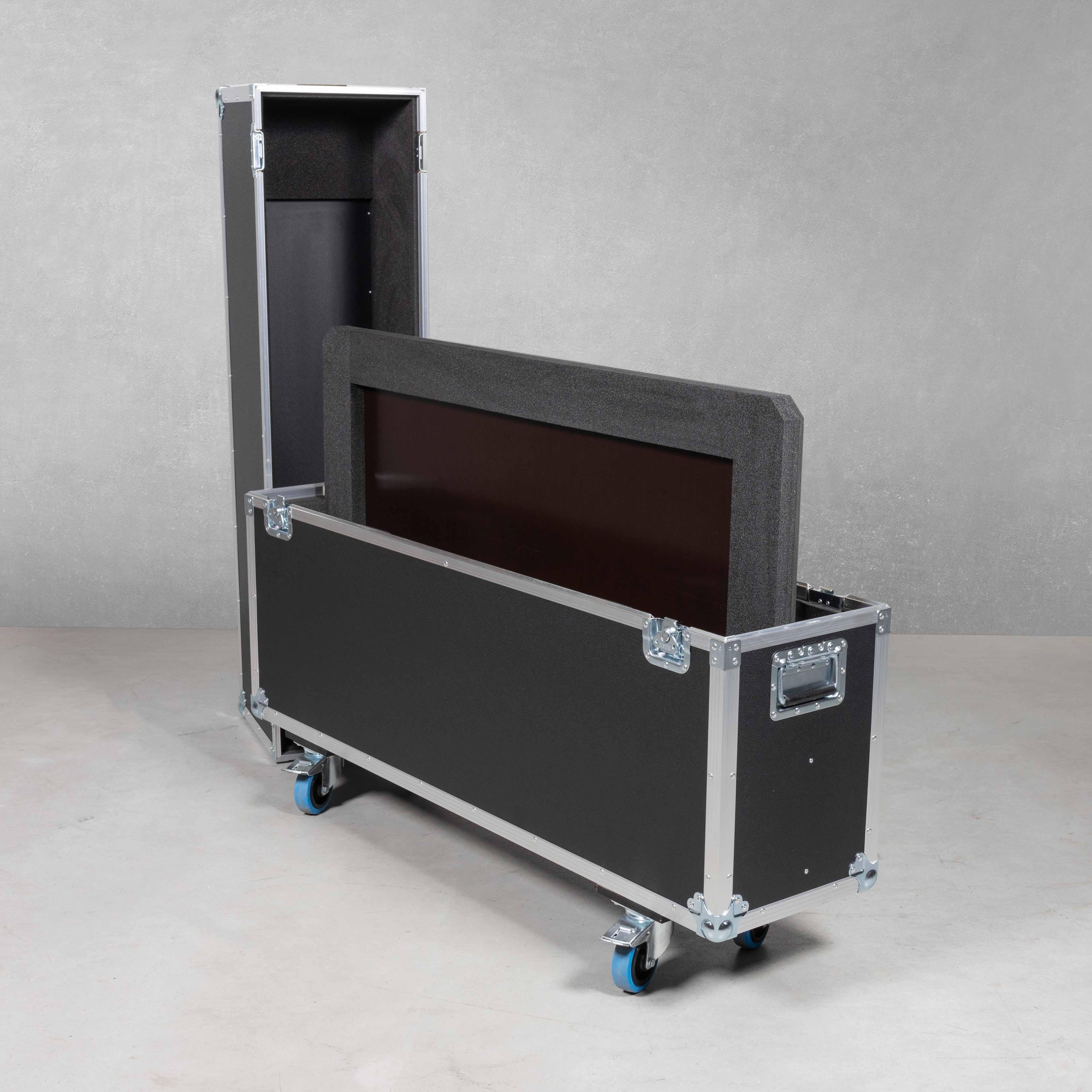Haubencases für ein NEC M551