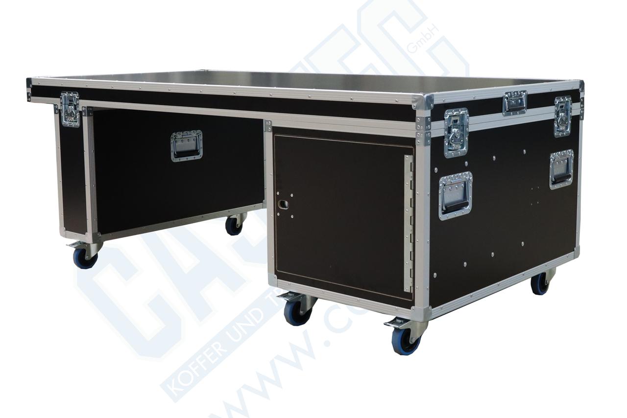 Flightcasetisch mit zwei Unterschränken