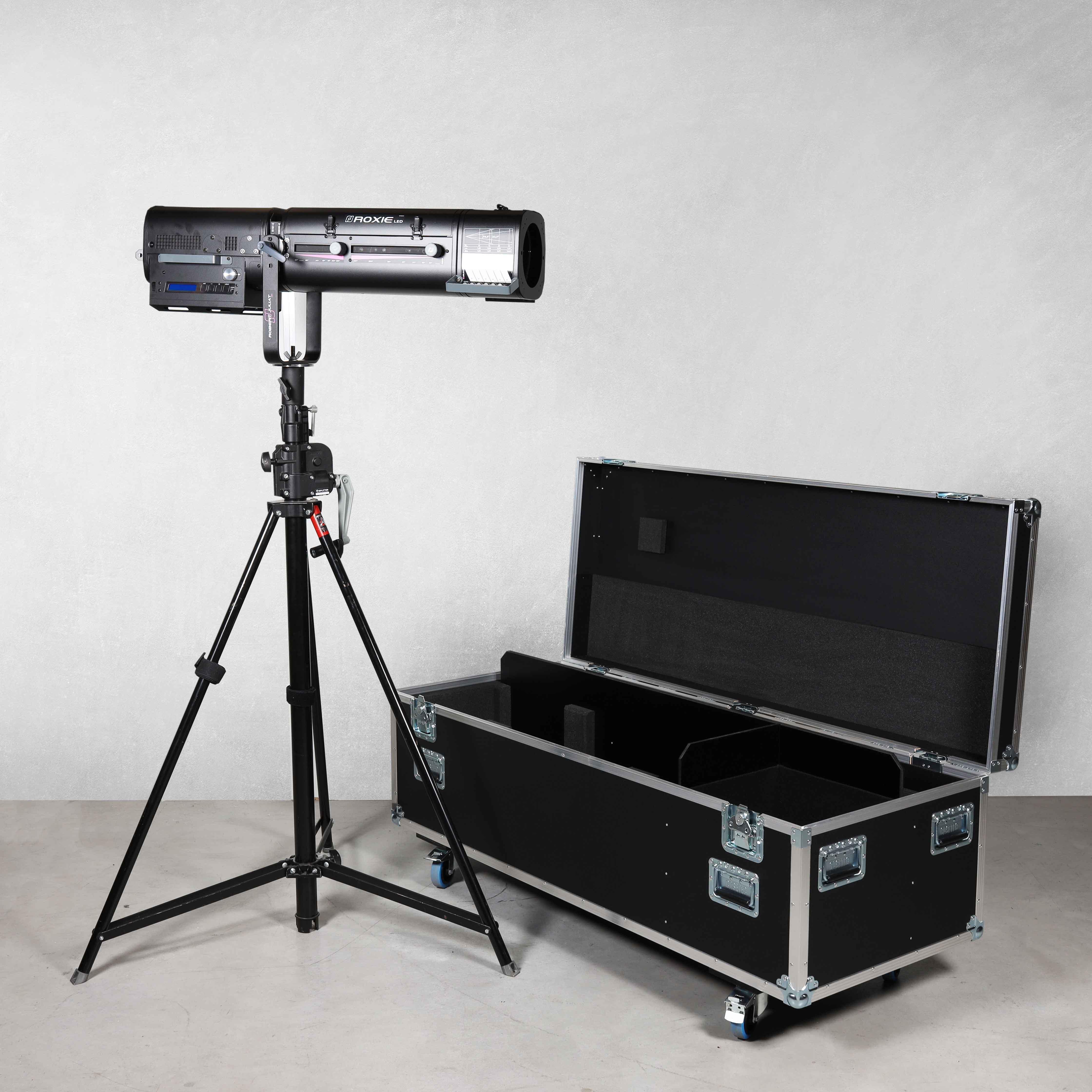 Flightcase für 1x Verfolger Robert Juliat ROXIE2 300W I66-2WW LED mit Stativ