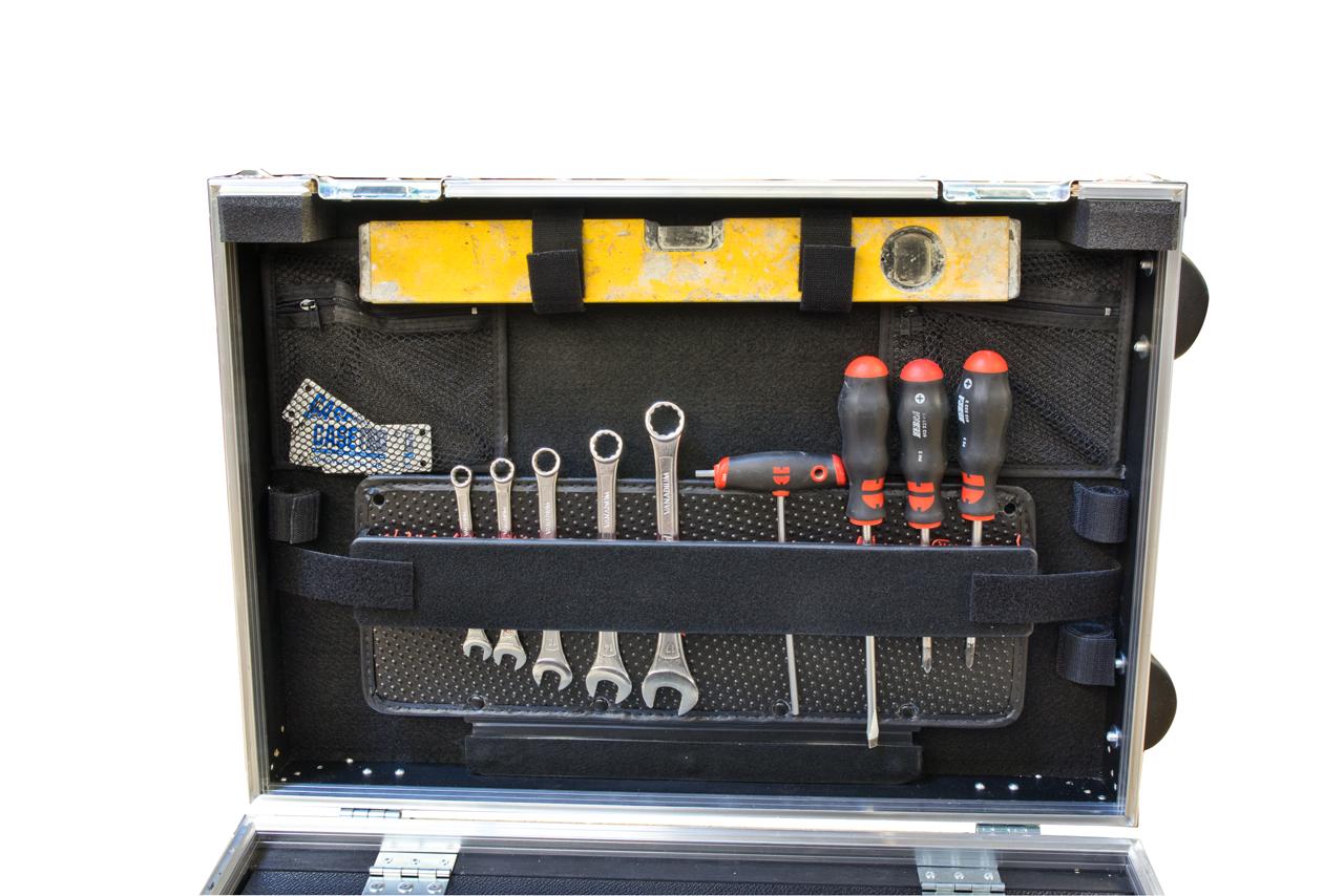 Toolkoffer Profi  Version 2 mit eingelassenem Trolleyausziehgriff Typ A2
