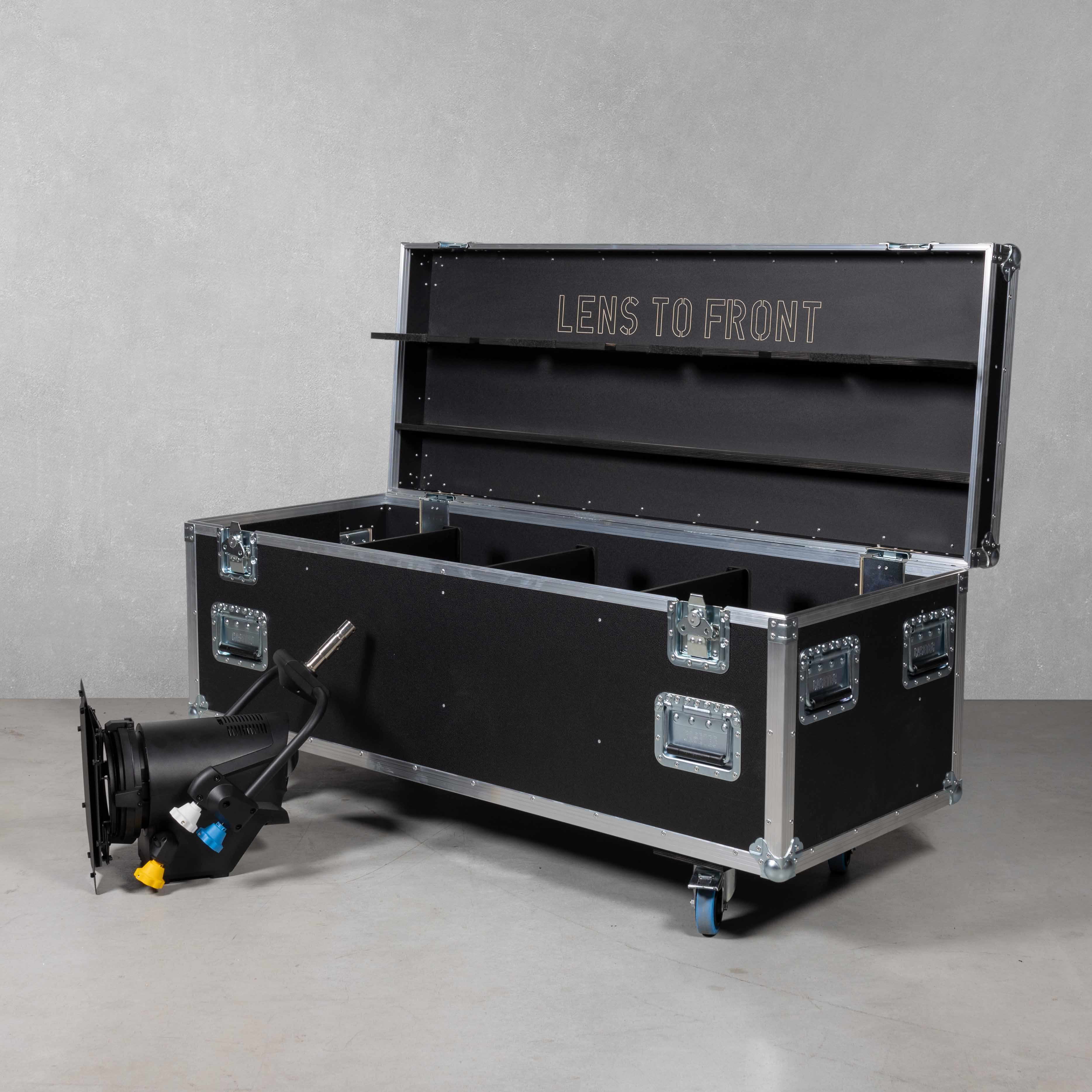 Flightcase für 4 Stück Cameo F2T P.O (Pole Operated)