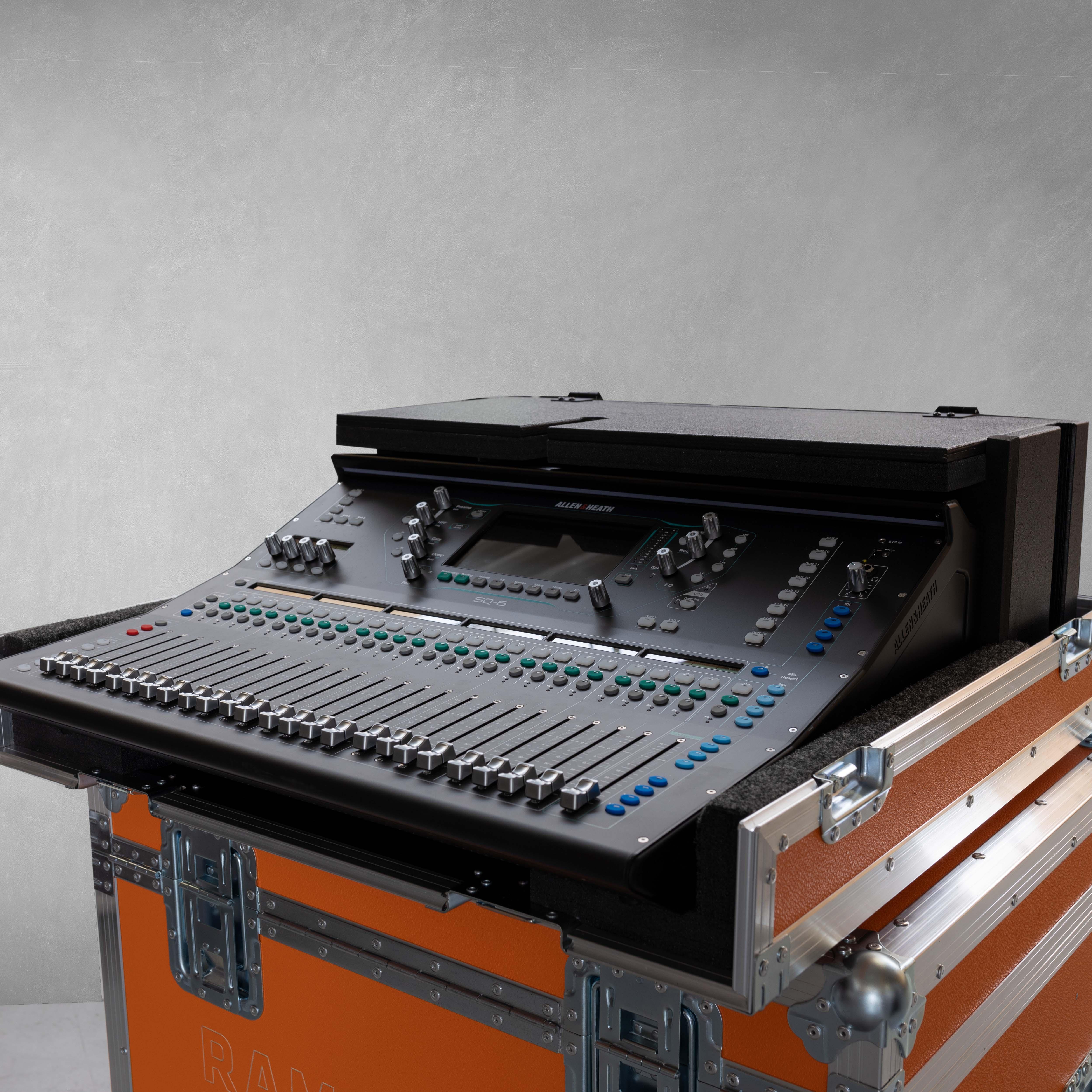 Haubencase für Allen & Heath SQ-6